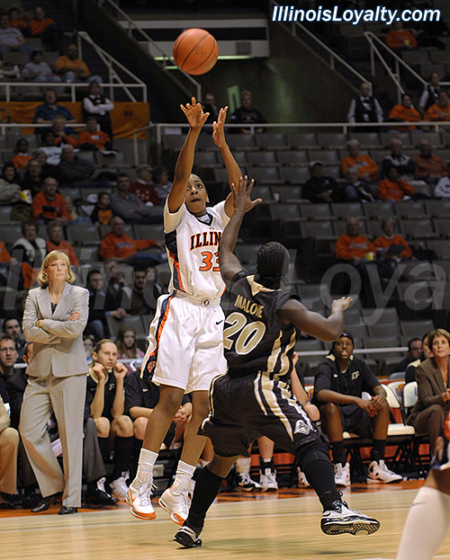 Chelsea Gordon - Illini Women's Basketball